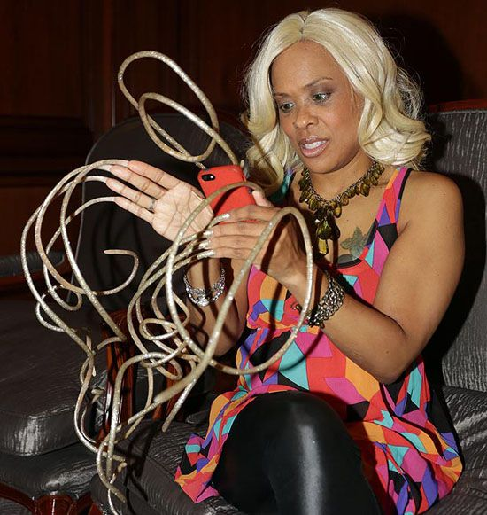 The Longest Nails You Have Ever Seen (12 Photos) | Extra Long Hair ...