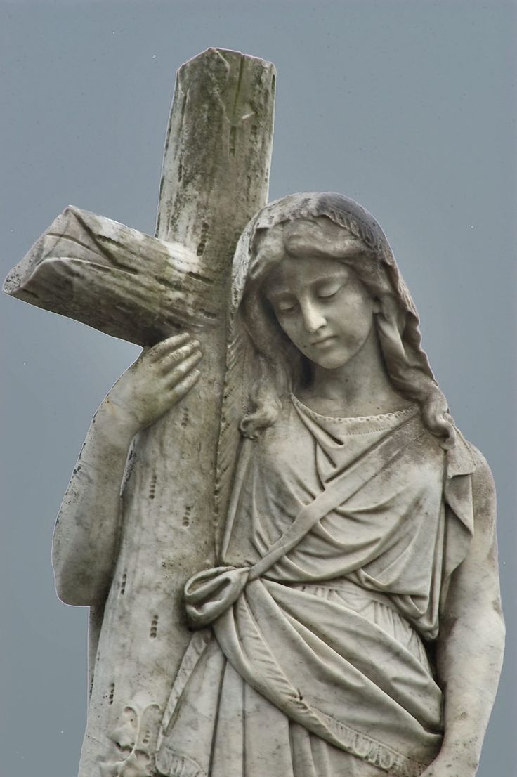 Metairie cemetery - search in pictures