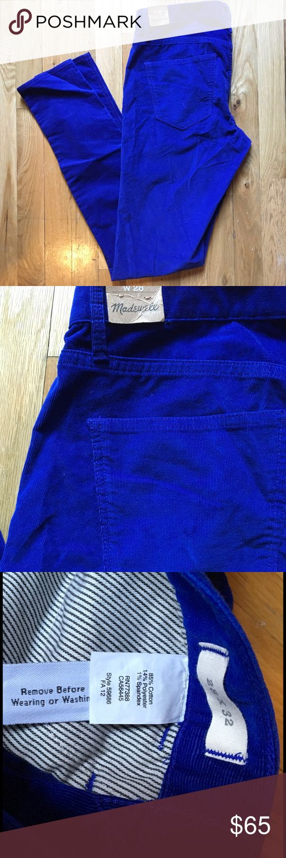 "NWT Madewell Royal Blue Corduroy Jeans Pants Madewell NWT royal blue cords with no price tag but butt tag attached because they haven't been worn! Size 28 and have an inseam of 32"". Straight style and are super beautiful! Madewell Jeans"
