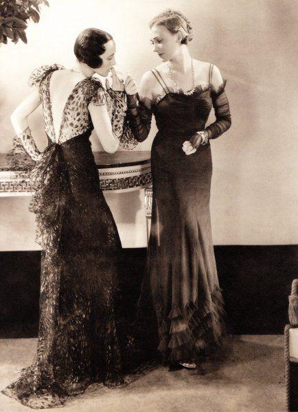 Ladies Smoking - 1930s - Photo by Edward Streichen