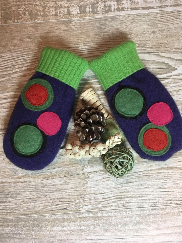 Recycled Sweater Mittens Fleece lined cashmere/ wool polka dots purple Mittens by sewhappyone on Etsy https://www.etsy.com/listing/566888578/recycled-sweater-mittens-fleece-lined