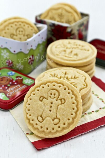 Buttery melt-in-the-mouth Shortbread Stamped Cookies using only 4 simple ingredients. A beautiful and delicious addition to any holiday. #holidaycookies #stampedcookies #christmascookies