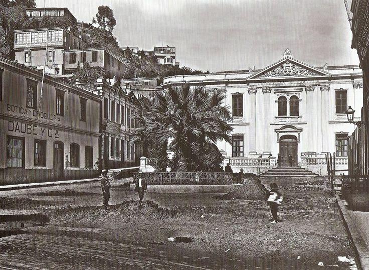 Tribunales de Justicia, Año 1898                 Fuente:    Category History of Valparaíso