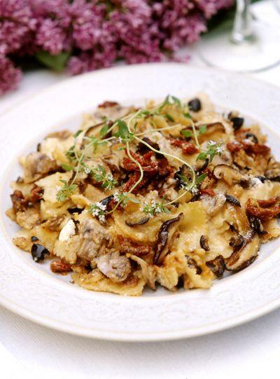 baked mushroom, sun-dried tomato and feta pasta