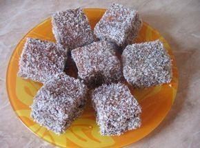 Kókuszkocka recept: A klasszikus kókuszkocka. Mit is lehetne mondani róla? Az egyik legfinomabb kókuszos sütemény! :) http://aprosef.hu/kokuszkocka_recept