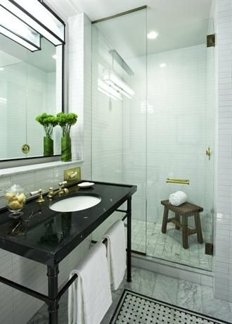 An in-room bathroom at The Refinery Hotel in New York