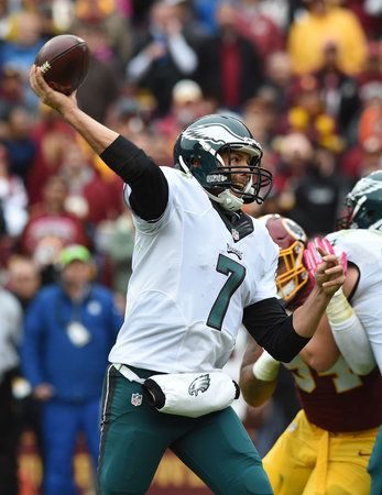 Redskins 23, Eagles 20 - Eagles quarterback Sam Bradford throws a pass in the 3rd quarter in the game against the Washington Redskins October 4, 2015 at FedEx Field. Washington beat the Eagles 23-20. ( CLEM MURRAY / Staff Photographer ) (The Philadelphia Inquirer)