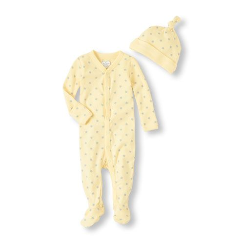 The perfect set to keep your little star cozy! Co gender perfection plus throwback with a sleepytime stocking cap!