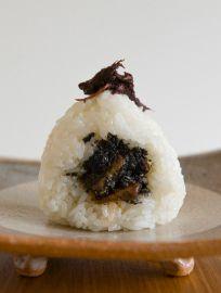 沖縄宮廷料理ミヌダルと梅しそ 山角や //Manbo