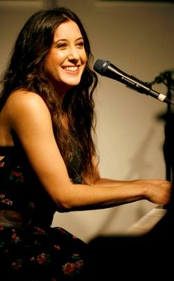 """Vanessa Carlton - skillful pianist, capable songwriter, and expressive singer who had a hit with her 2002 debut, """"A Thousand Miles,"""" but has struggled to maintain a fan base since."""