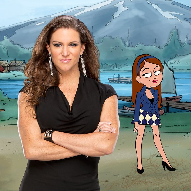 The Queen has ARRIVED to #CampWWE!