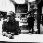 TOP: 10 citas de Charles Bukowski sobre la bebida, el alcohol y la virtud de los tragos