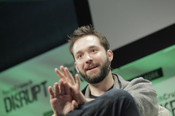 Reddit co-founder Alexis Ohanian and Serena Williams are get