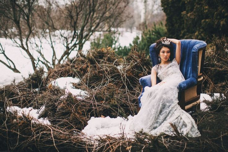 #winter #wedding #inspiration #flowers #bouqet  #bridal #dress #elegance #snow