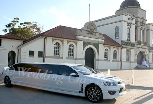 HSV limousine with bridal party @ Taronga Zoo in Sydney
