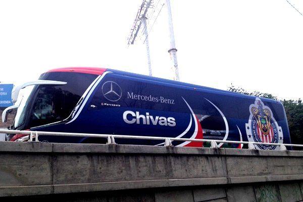 CHIVAS ESTRENA NUEVO AUTOBÚS    El Guadalajara estrenará autobús a partir de este domingo, gracias a una alianza comercial con una marca automotriz de origen alemán.