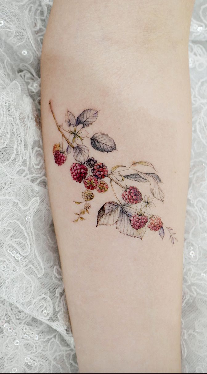 Simple tattoo designs to carry your favorite flower on the skin. See … #tattoos