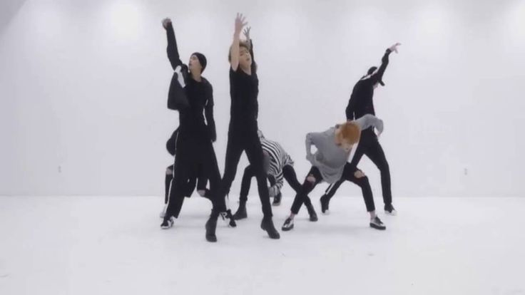 BTS Dancing To Video Clips BLOOD SWEAT AND TEARS