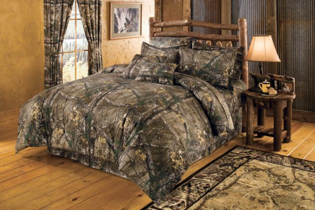 camo bedroom set. Cabelas Grand River Lodge FourPiece Camo Bedding Set Realtree  comforter set realtree xtra Camouflage Comforters Discount Sets