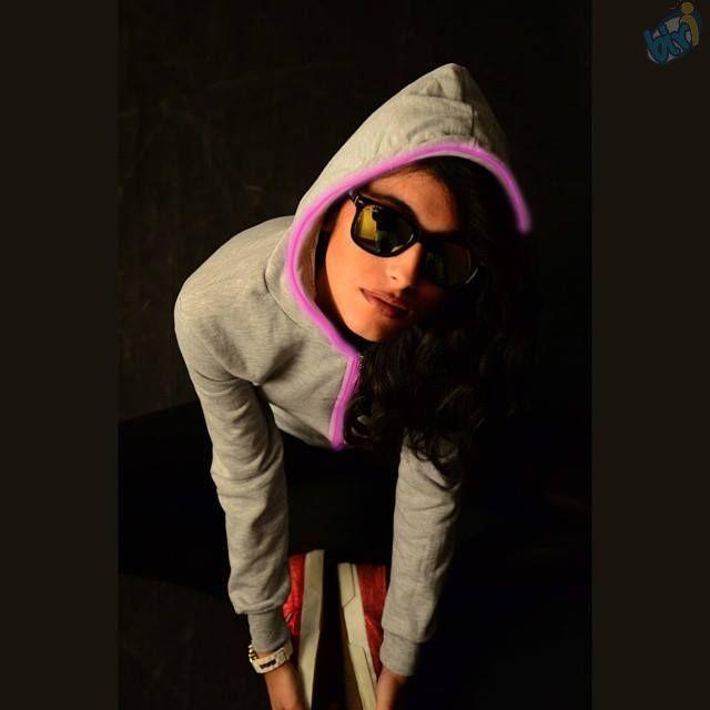 Tarzını seç! Işığını yansıt! #Bayan #Işıklı #Kapşonlu modellerimiz için sitemizi ziyaret edebilirsiniz.