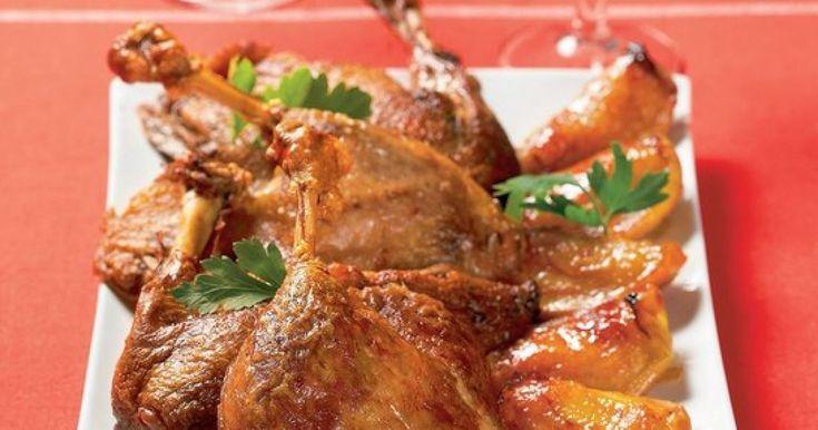 Pečená kačka s jablkami - dôkladná príprava krok za krokom. Recept patrí medzi tie najobľúbenejšie. Celý postup nájdete na online kuchárke RECEPTY.sk.