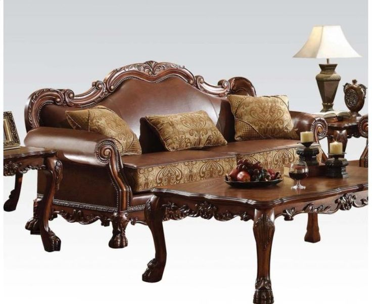 A new rendition to the classic Dresden, finished in Gold Patina, with a hint of gold. The antiqued look is further highlighted with a hand applied burnish. The bed is complemented by a thick, tufted upholstery surrounded with individual nailhead, in matching leather like PU.  ‪#‎ClassicFurniture‬ ‪#‎AcmeFurniture‬ ‪#‎Sofas‬