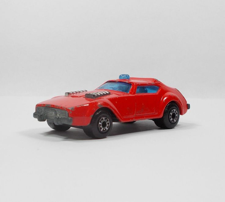 Matchbox SuperFast No.64 Fire Chief Car Die-cast Model Toy Car 1976 (1)