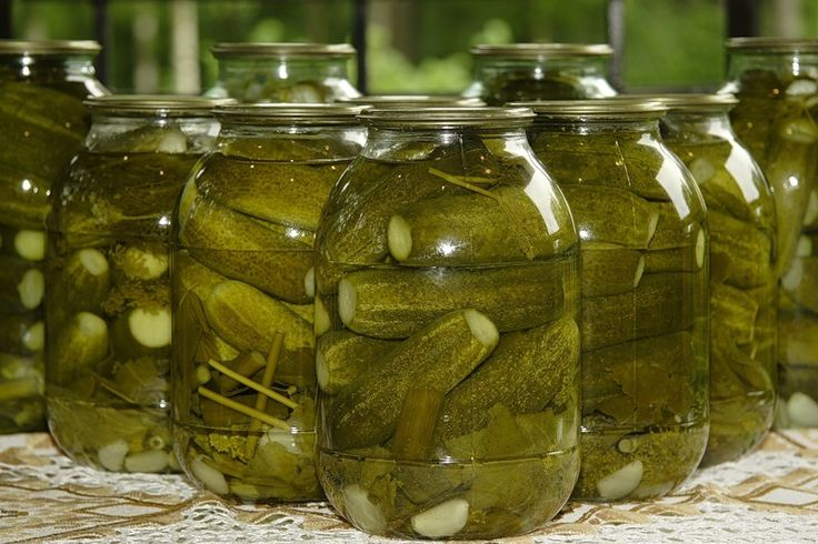 С ними получаются бесподобные блюда, а салат оливье с такими огурчиками становится намного вкусней. Рецепт приготовления оригинального салата оливье можно найти на сайте «Идеи рецептов».