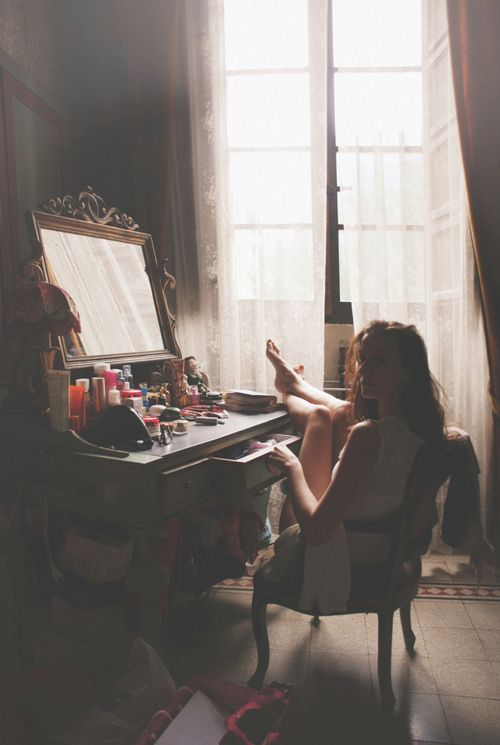 Start early when preparing for the big night! Make sure you have all your beauty products available! #DressUpPartyDown