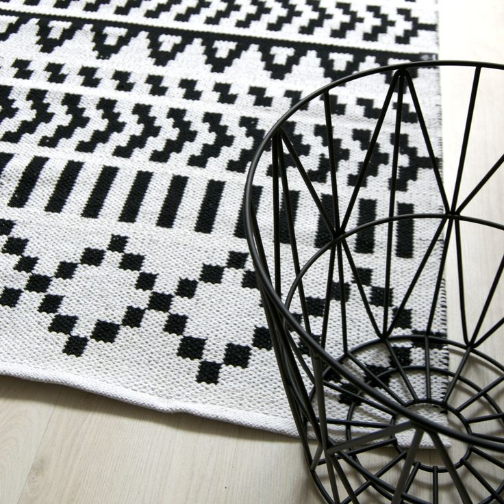 Forme Pikseli-matto, Molla Mills