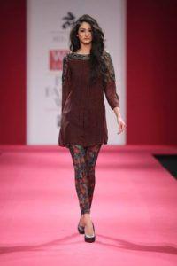 ethnic fashion trends: kurti cropped leggings