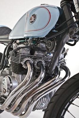 Honda CB400 exhaust manifold beauty #Honda #CafeRacer #TonUp