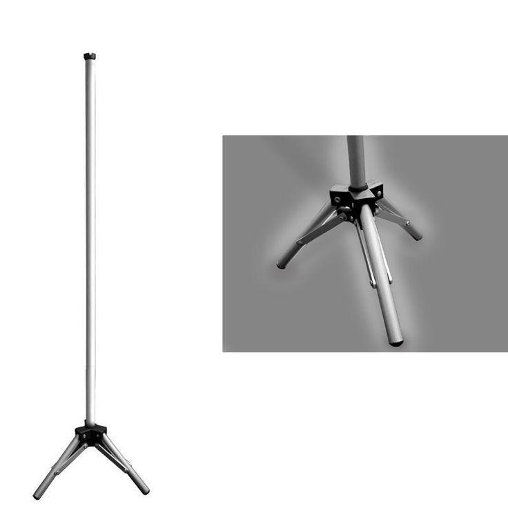 Pedestal em alumínio ideal para uso em pontos de venda, feiras e eventos, leve e resistente, suporta banners com até 175 cm de altura.