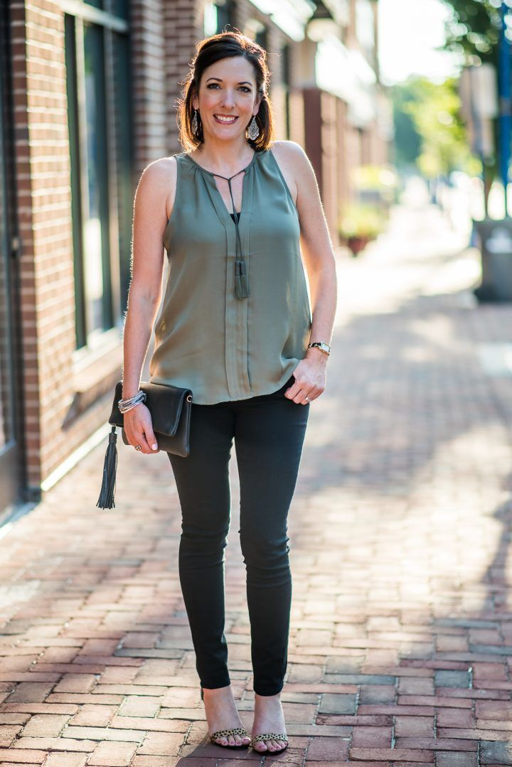 a103ac7f9f6b 10 Easy Date Night Outfit Ideas--Teal top and BOC gold wedges