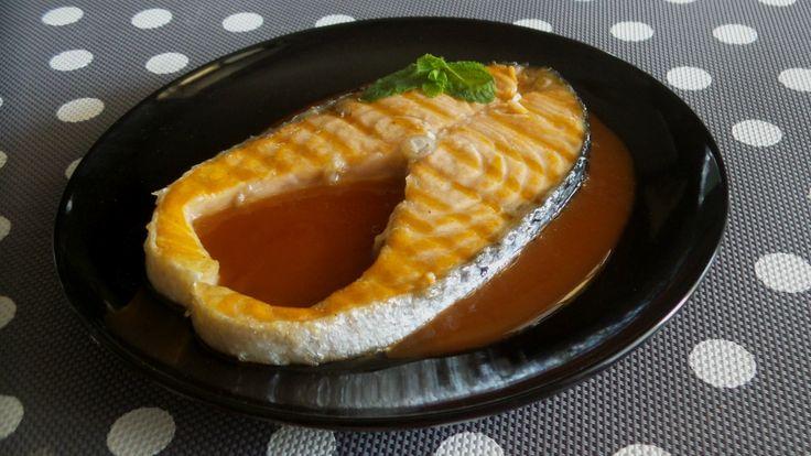 Salmone+alla+piastra+con+salsa+all'anguria