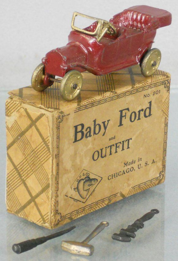 TOOTSIETOY 501 BABY FORD OUTFIT : 4570 Flivver w/3 tools, orig box