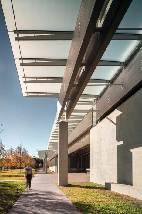Renzo Piano completes extension to Louis Kahn's Kimbell Art Museum