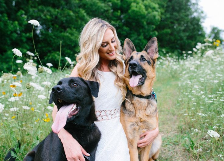 Took my college senior pictures with my dogs :) Best decision I've ever made. http://ift.tt/2rSAS4f