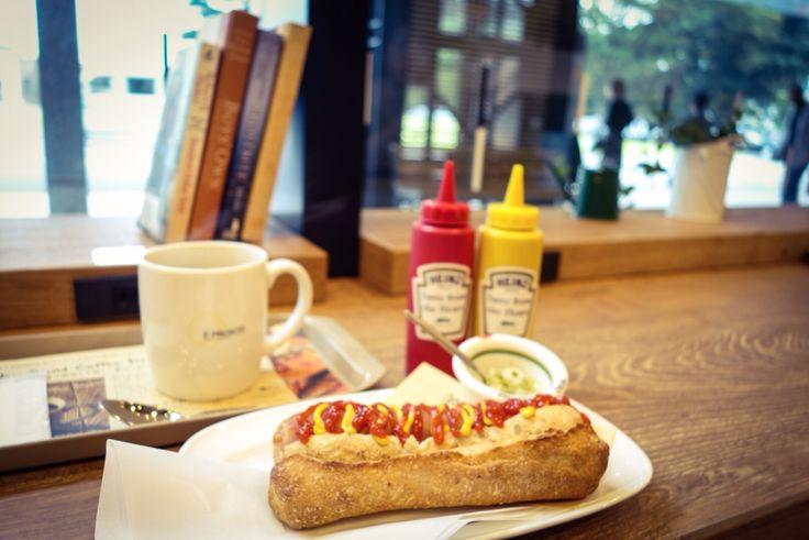 hotdog & coffee