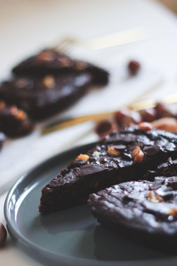 Sund dadelkage med chokolade