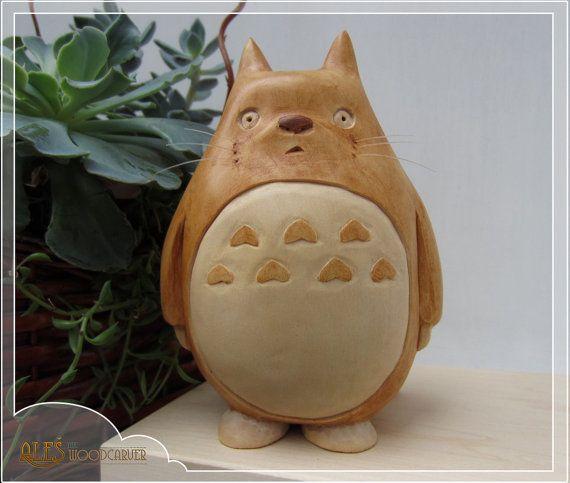 Totoro sculpture du bois à la main sculptée par Alesthewoodcarver