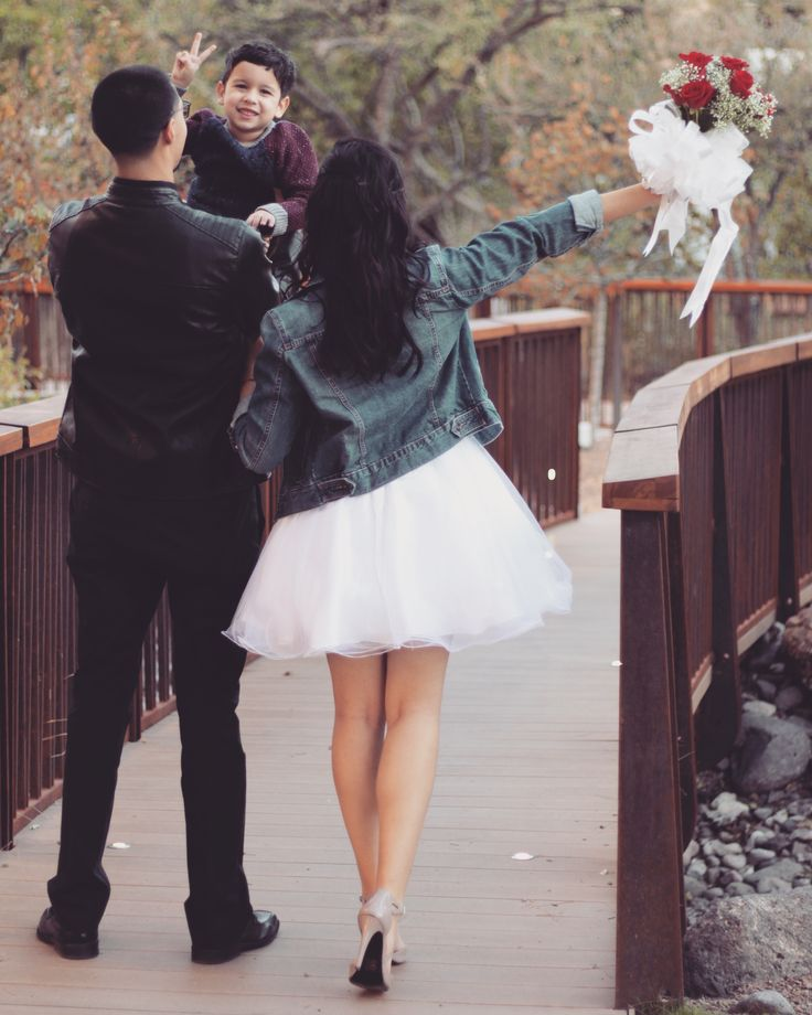 Simple Wedding Dresses Eloping: Best 25+ Courthouse Wedding Photos Ideas On Pinterest