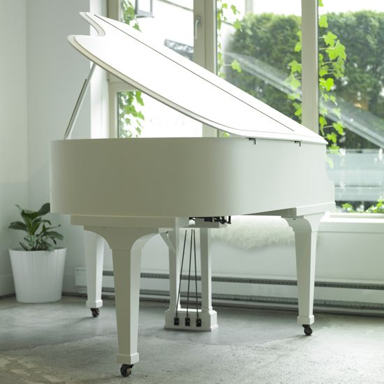 I have always had a soft spot in my heart for White Pianos.
