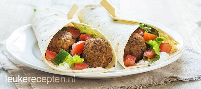 Wrap met falafel recept - Vlees - Eten Gerechten - Recepten Vandaag
