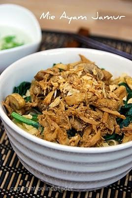 Mie Ayam Jamur (Chicken Mushrooms Noodle Soup)