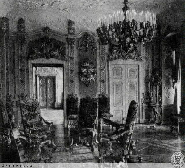 The southeast corner salon in the 1920s.