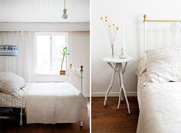 """""""Vaalean makuuhuoneen lakanat ja lampunvarjostin ovat Saanan ja Ollin omasta mallistosta. Persoonallinen 1940-luvulla itse tehty yöpöytä on löytö kierrätyskeskuksesta. Saana ja Olli maalasivat sen valkoiseksi.""""  Deko kävi kotonamme.   Deko magazine visited our house. [ Text: Jenni Juurinen   Photography: Mirva Kakko ► http://ellit.fi/koti-ja-sisustus/sisustus/saana-ja-olli-tekstiilisuunnittelijoiden-ekokoti-kaupungissa ]"""