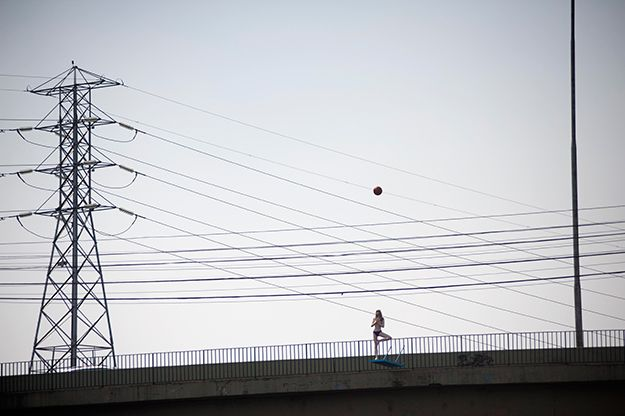 Eduardo Srur ocupa margens e pontes do Rio Pinheiros contra poluição da água: http://abr.ai/1viZJKW