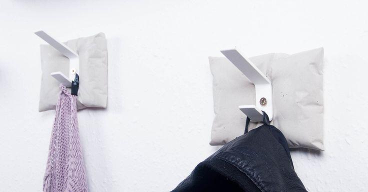 ABConcrete Design's pretty hangers #hanger #cushion #pillow #concretecc