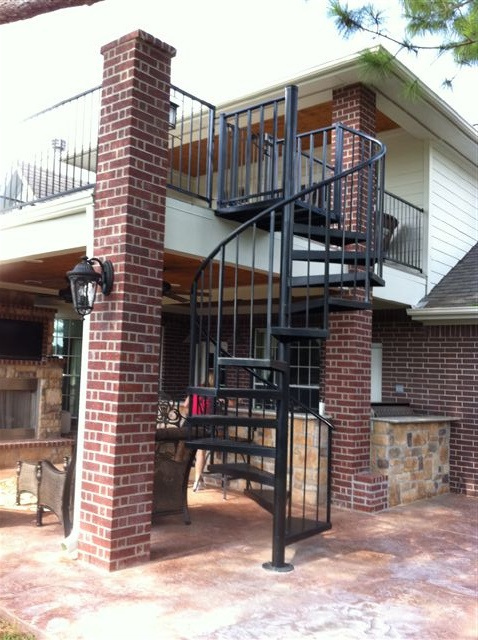 Best Spiral Stairs From Patio To Deck Live High Balconies 400 x 300
